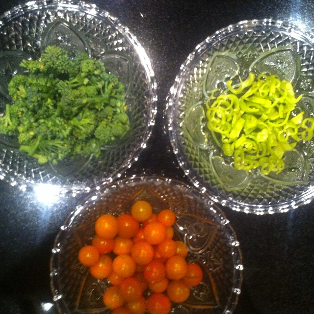 Fresh tomatoes, broccoli, and banana peppers for today's lunch from our H*art garden!