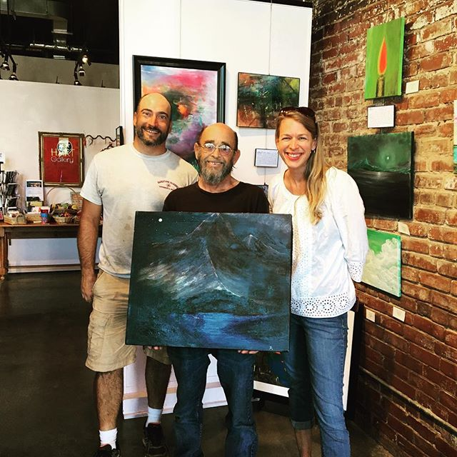 Another happy customer and artist.#hartCHA #hartgallerytn #artwithapurpose