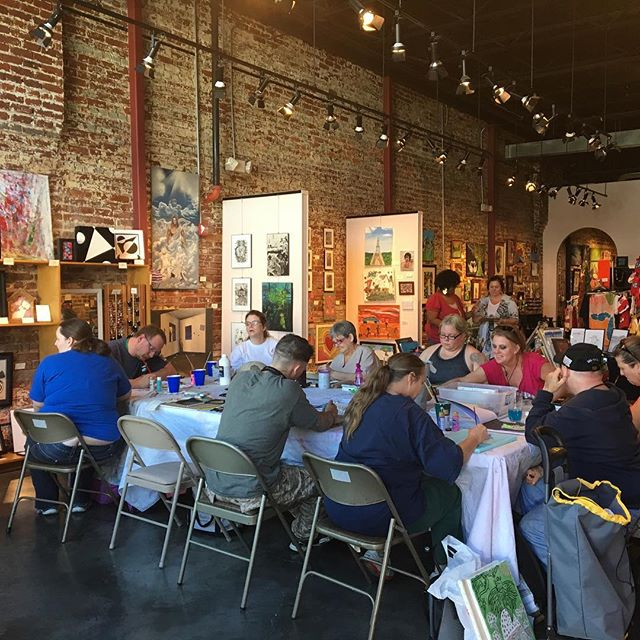 Full house today! Hope you are doing something you love as well!#hartgallerytn #hartcha #artwithpurpose